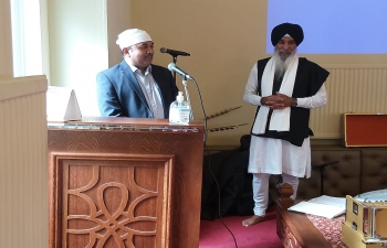Consul General Mr. Bijay Selvaraj and Consul Satya Veer Singh visited Edinburgh Gurdwara on 5 September 2021.